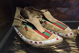 shoes - arapaho-883808__180